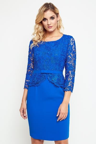 Chabrowa sukienka z koronką